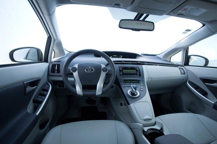 Toyota-Prius-Brasil-interior (2)