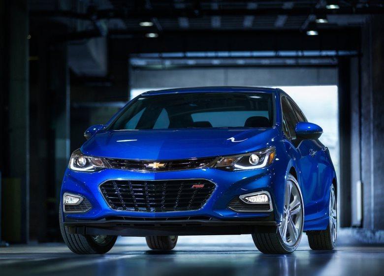 Chevrolet Cruze 2016 é revelado e ganha inédito motor 1.4 turbo