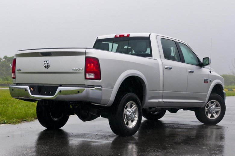Ram-2500-Laramie-2012-4-1024x6801