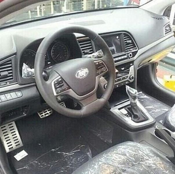 Hyundai Elantra 20162017 (1)