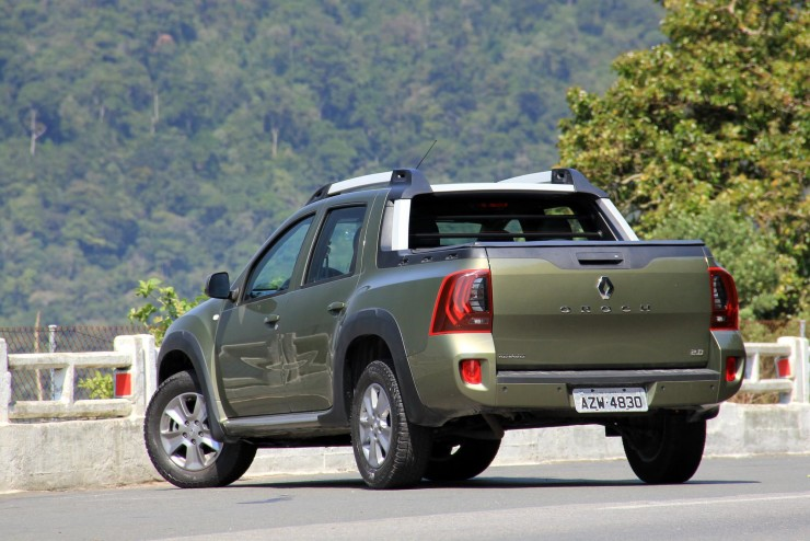 Renault Duster Oroch Dynamique 2.0 (7)