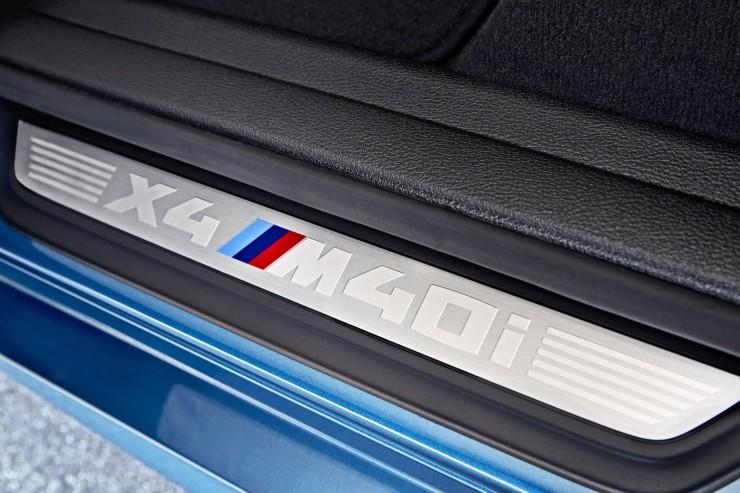2017-BMW-X4-M40i-73