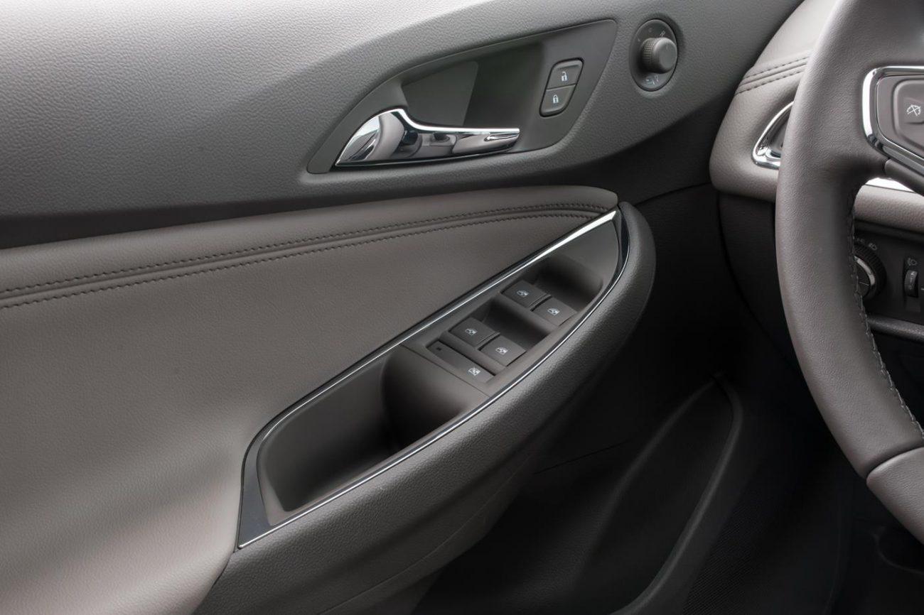 Chevrolet Cruze Turbo 2017 Interior 22 Primeira Marcha