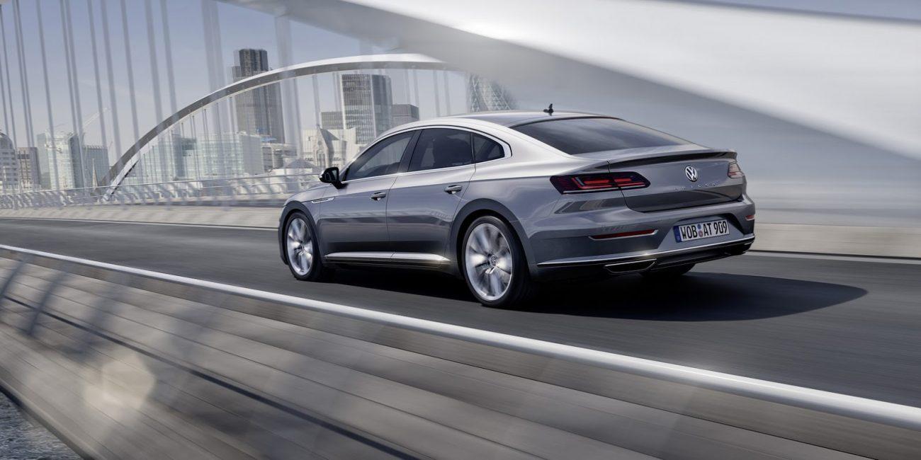 VW-Arteon-2018-18