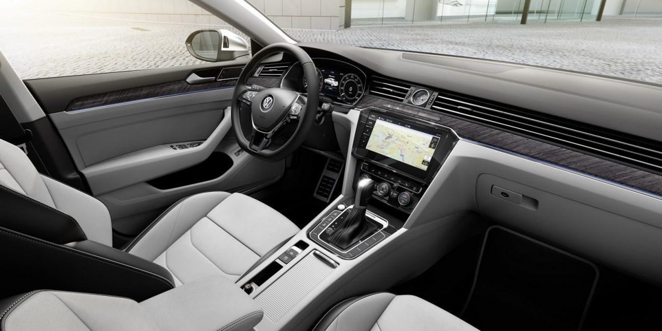 VW-Arteon-2018-20
