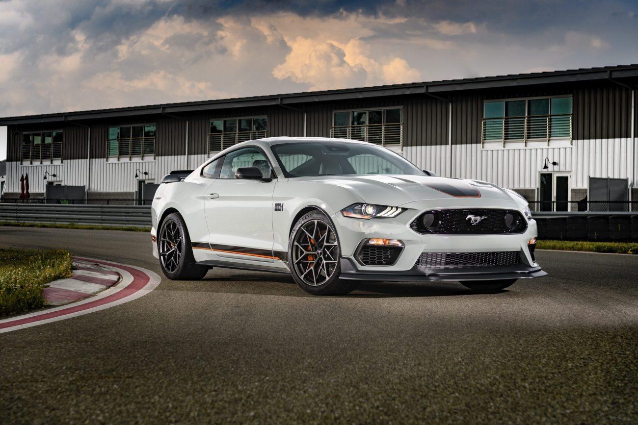 Ford Mustang Mach I estreia por R$ 499 mil