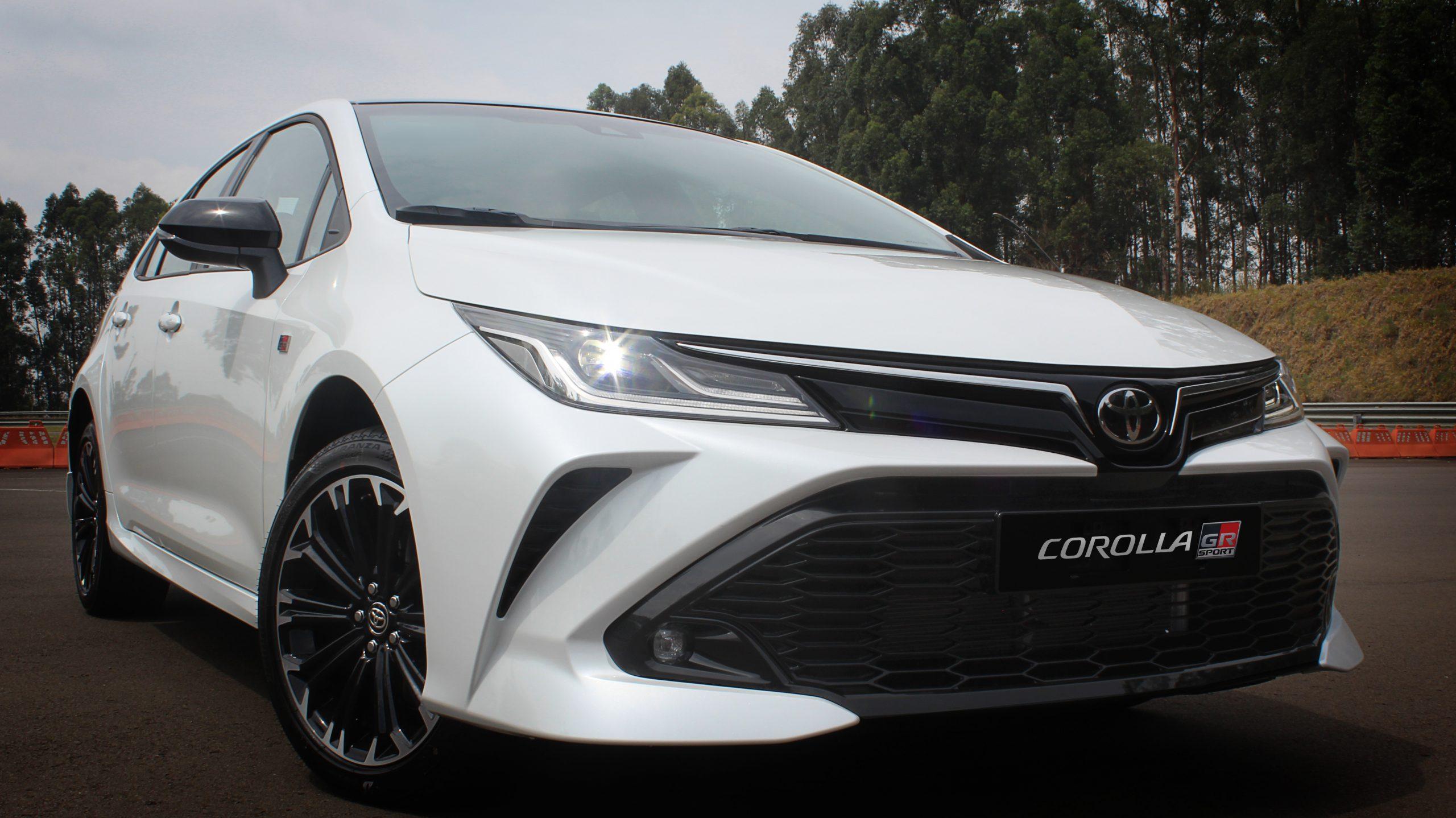 Toyota lança Corolla com visual esportivo por R$ 151.990
