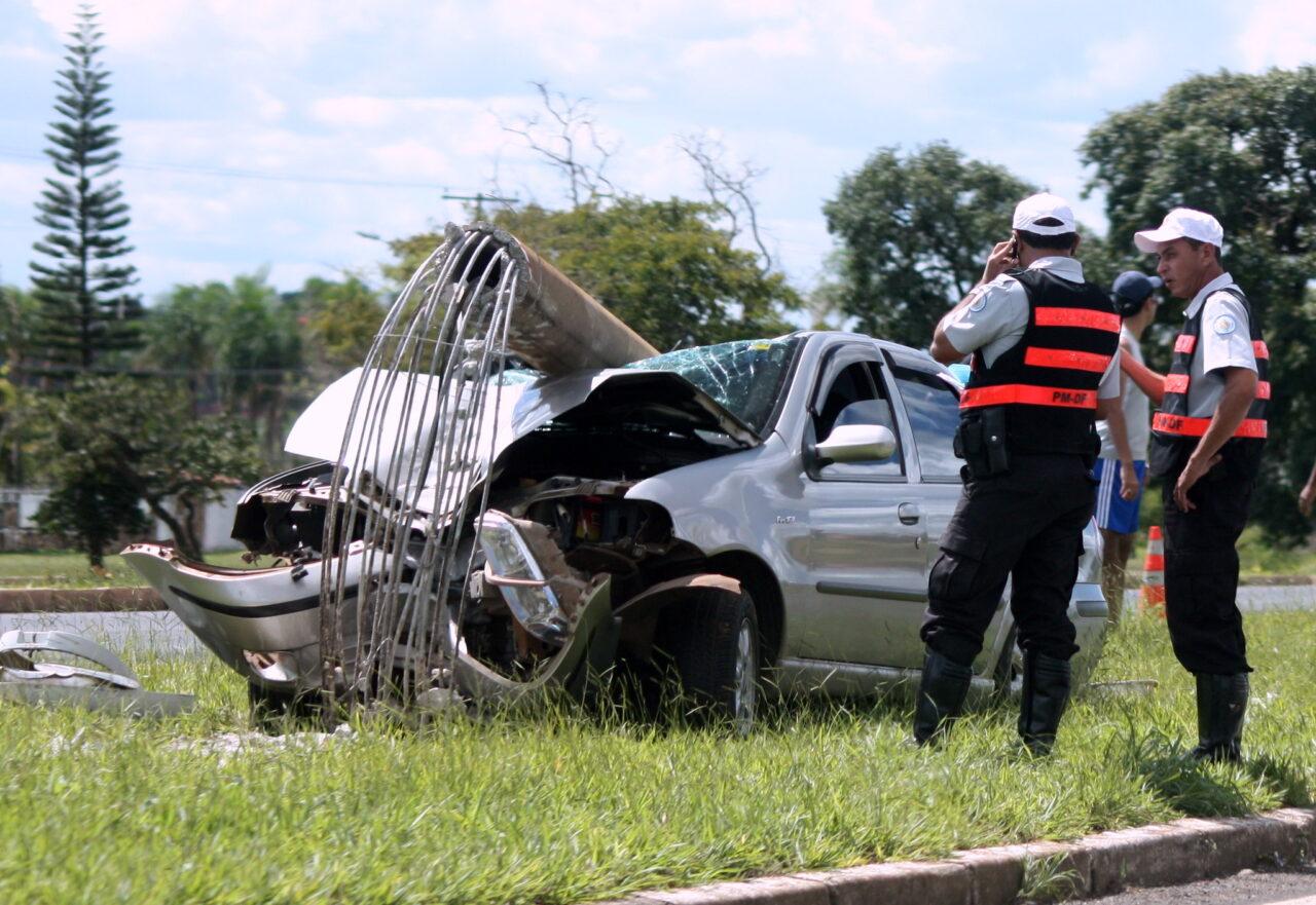 Acidentes de trânsito podem resultar em pagamento do seguro obrigatório
