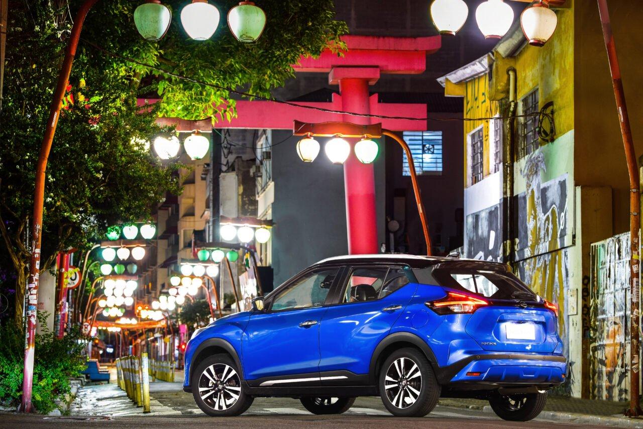 Nissan Kicks passou por uma revitalização de meio de geração e sobe o tom do mercado.