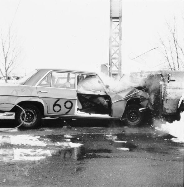 airbag crash test