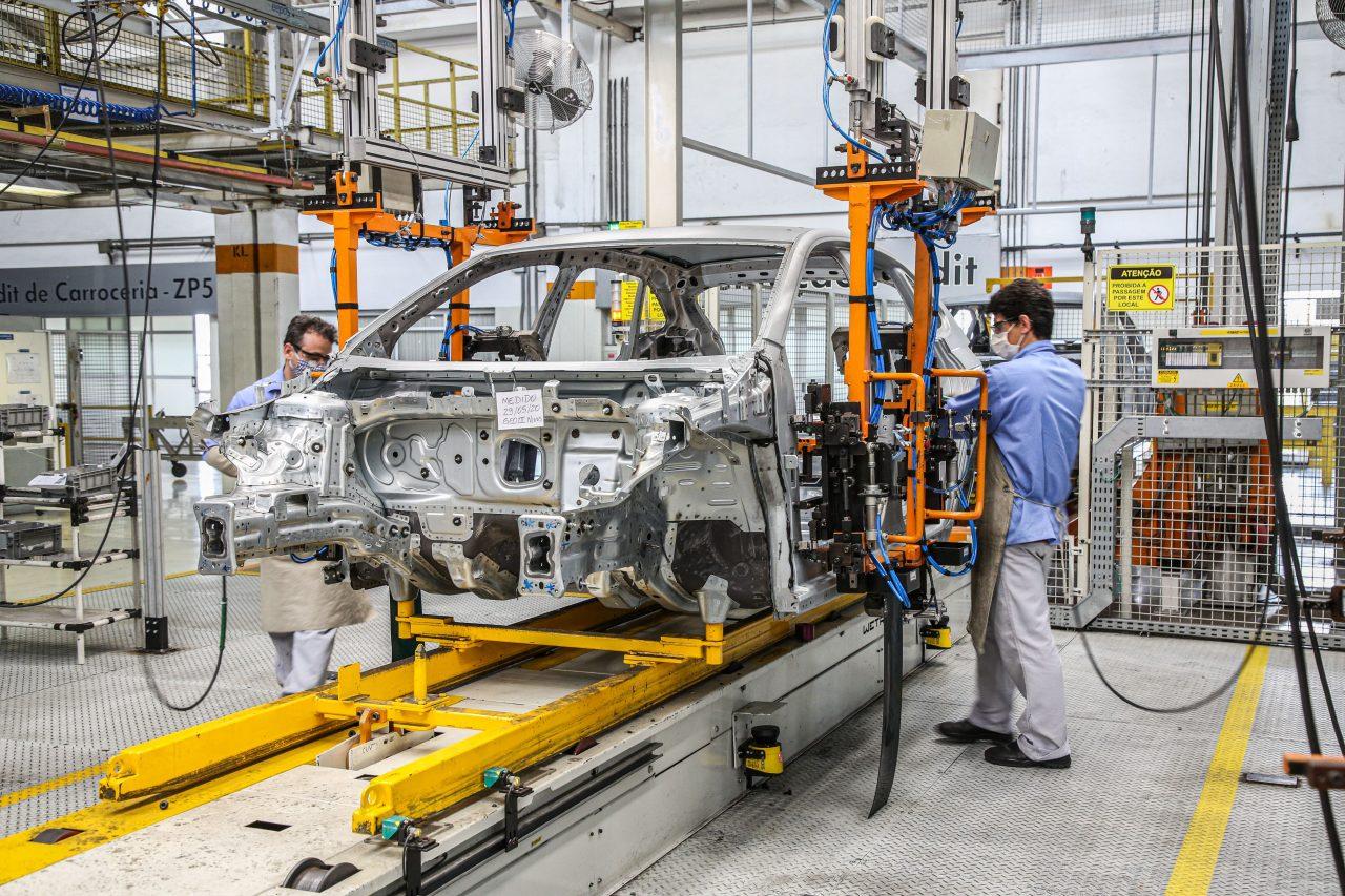 Produção de veículos caiu em fevereiro no Brasil