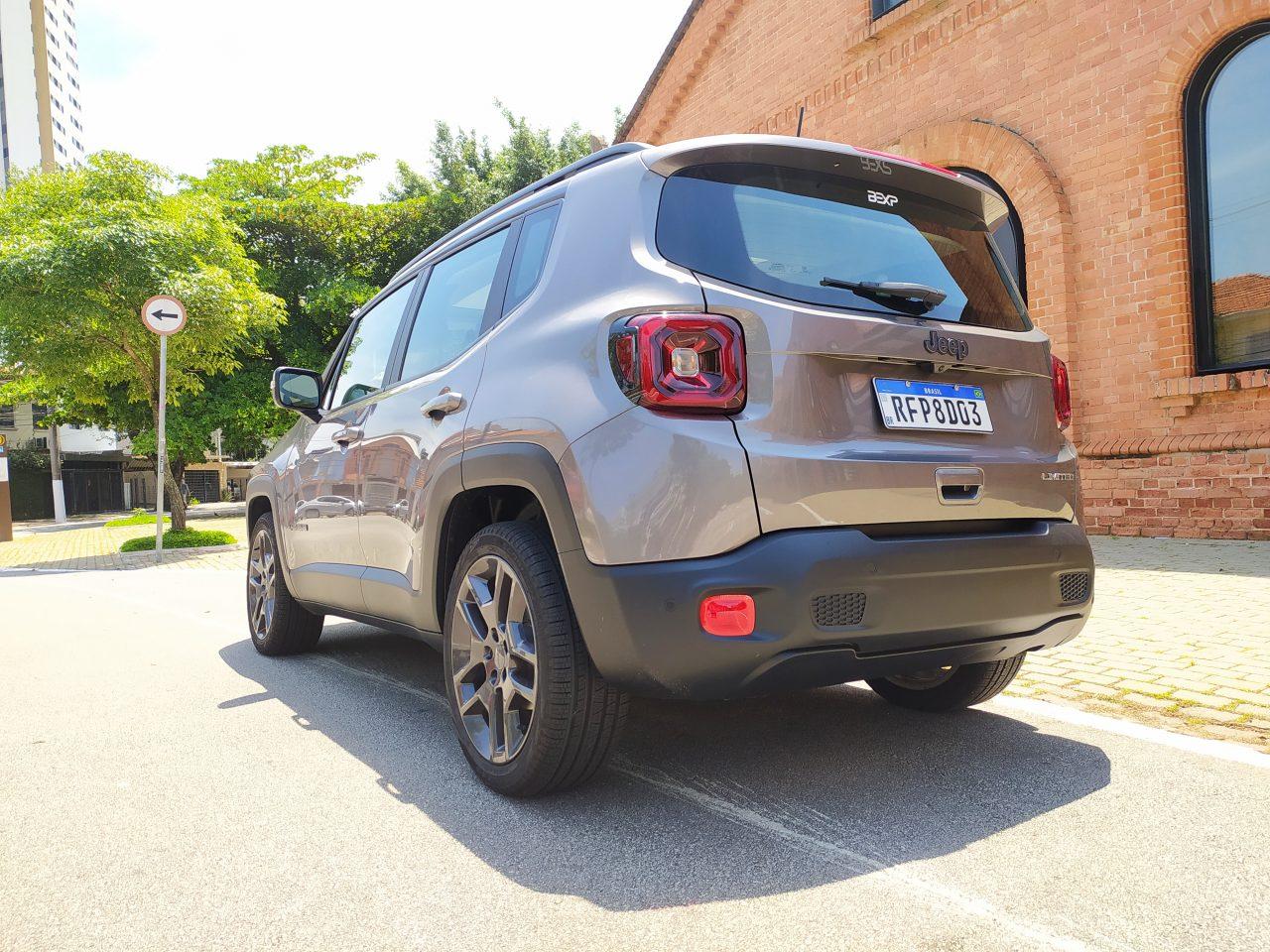 Jeep Renegade Limited tem motor flex de até 139 cv