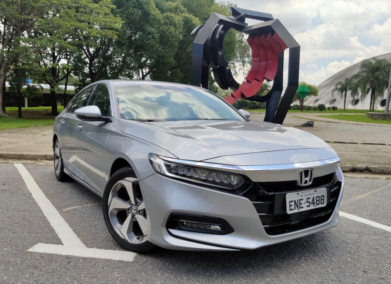 Honda Accord mostra que não é sedã 'de tiozão' e que pode rivalizar com BMW e Mercedes