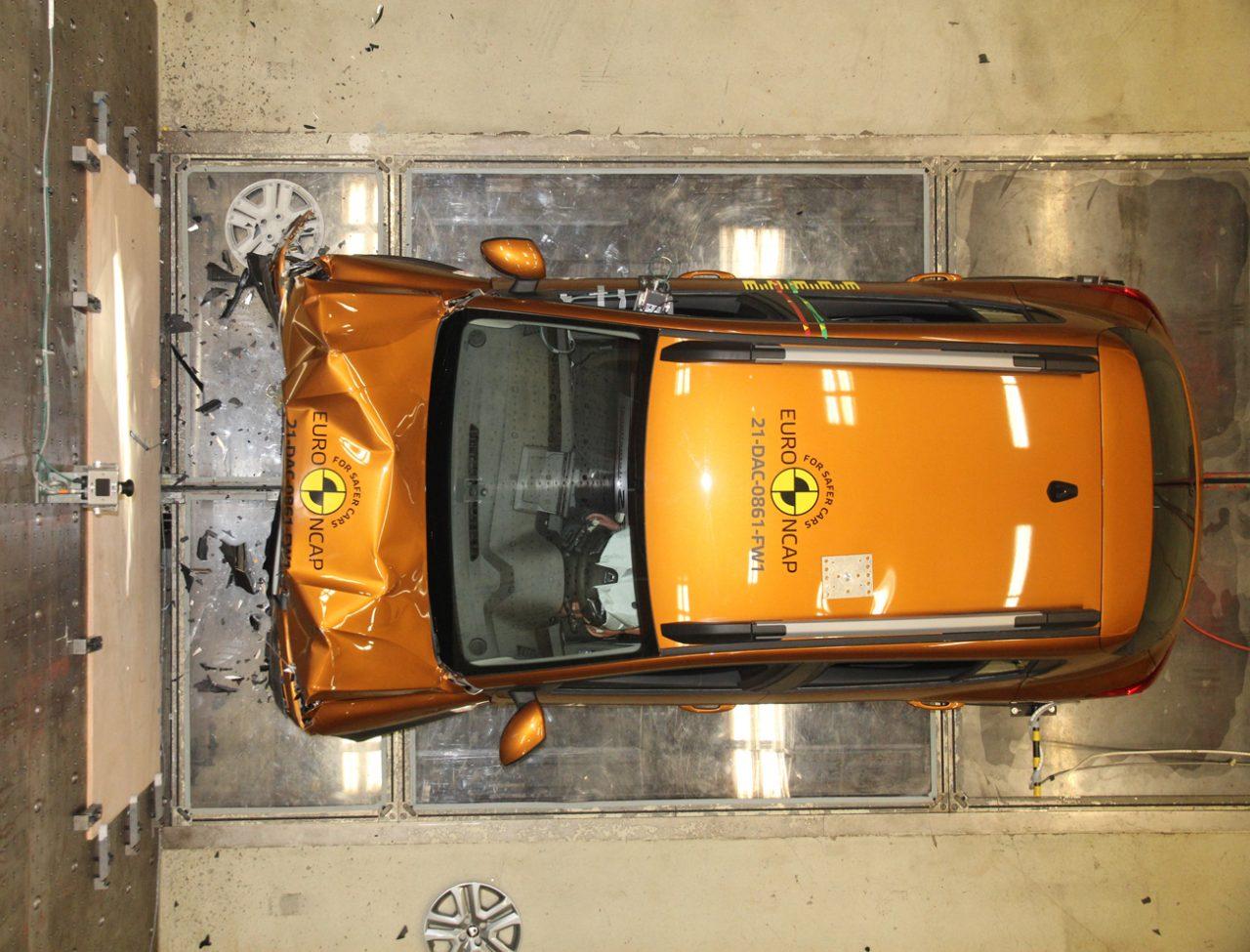 Sandero foi mal em teste de colisão na Europa. Euro NCAP disse que alguns setores de proteção não foram adequados