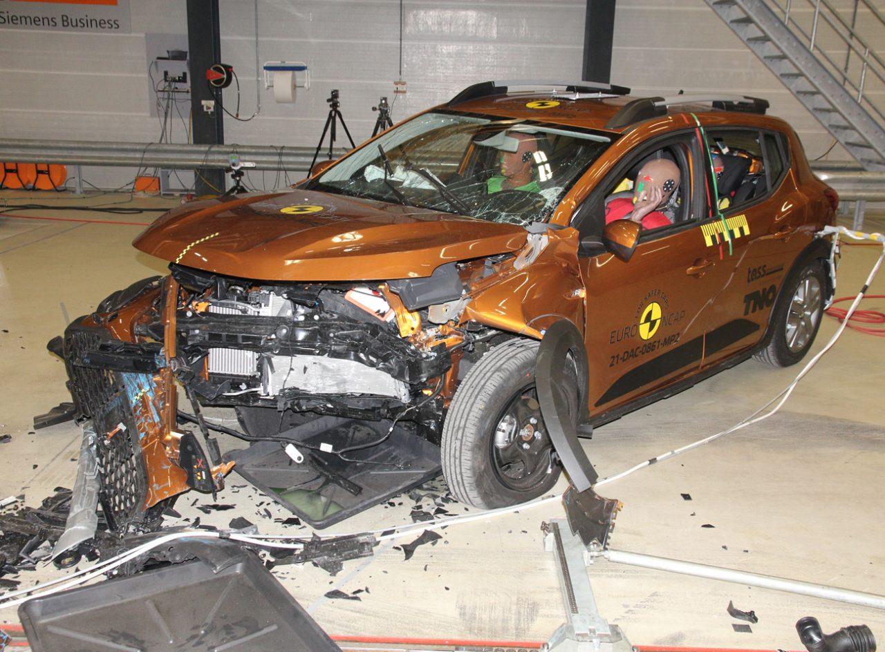 Sandero foi mal em teste de colisão na Europa