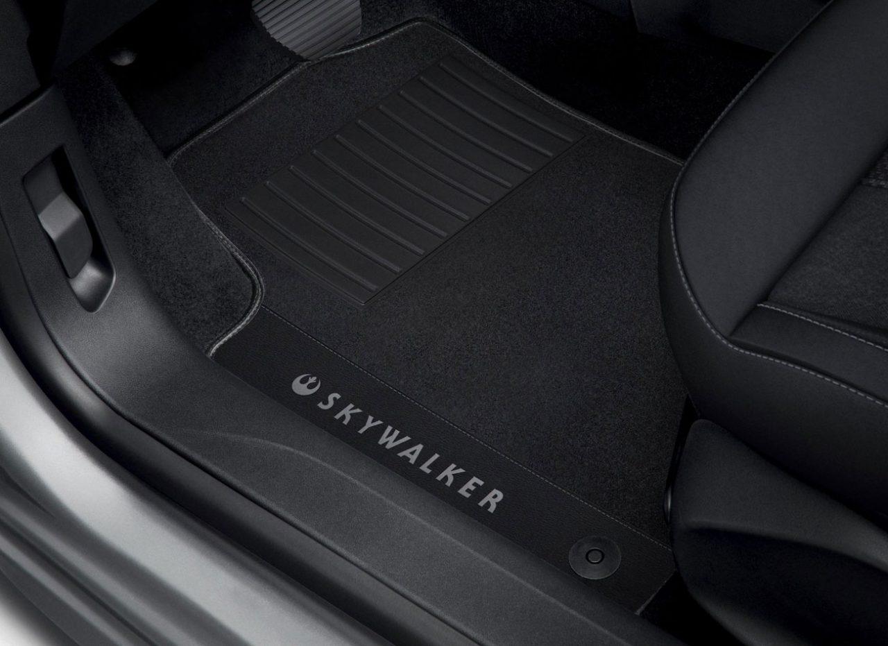 Tapete do Peugeot 2008 Skywalker