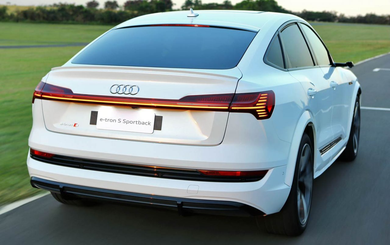 Visual cupê é marca do e-tron Sportback