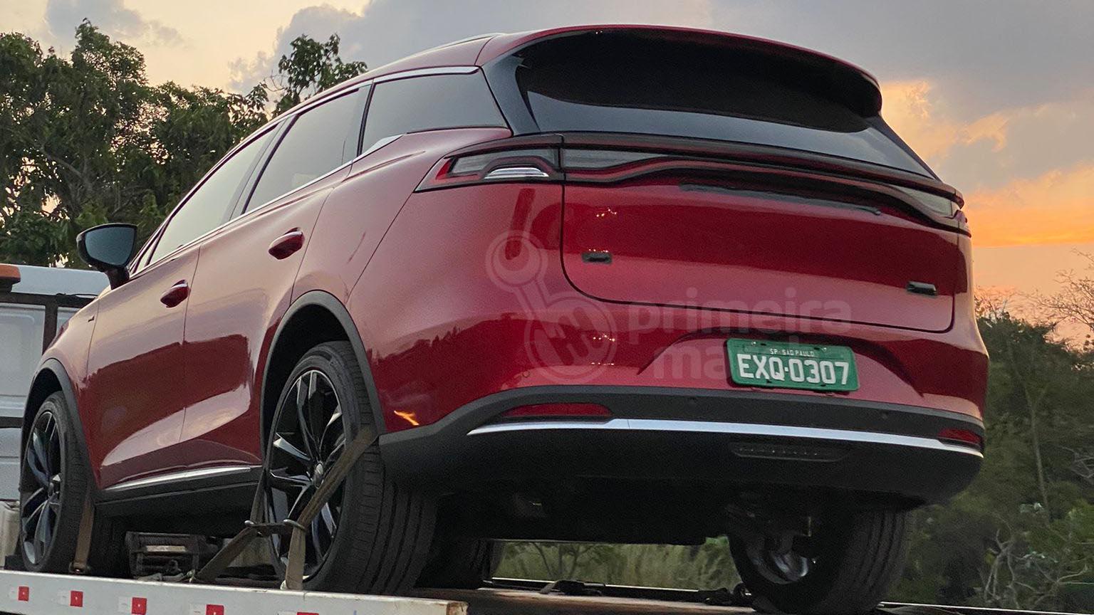 BYD Tang: SUV chinês é flagrado no Brasil